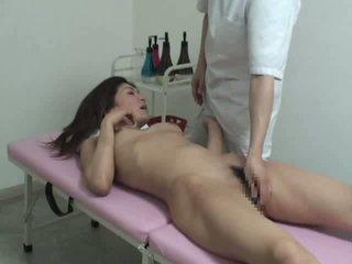 I ri bashkëshorte duke mashtruar me massager video