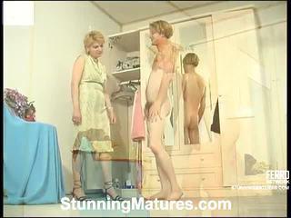 Christina a tobias zvrátené mamička vnútri akcie