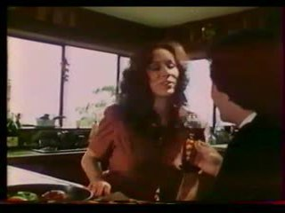 Rakkaus kone - sumuinen regan, mai lin (1983)
