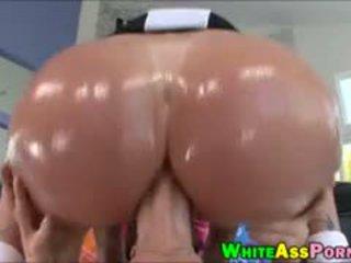 Riesig arsch hure tiffany mynx anal pounded