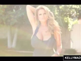 Kelly madison poolside enorme natural tetitas <span class=duration>- 15 min</span>