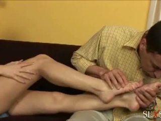 เพศ ความรู้สึก: เซ็กซี่ lulu loves strocking ควย ด้วย เธอ เท้า