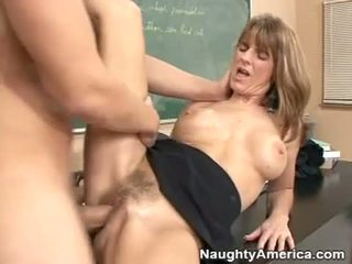 Pale mature brunette gets her hairy twat rammed in classroom