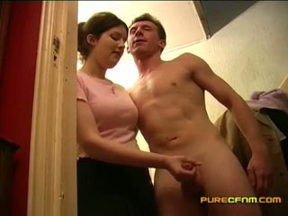 Spying επί ο nanny τραβώντας μαλακία μακριά από αυτήν boyfriend