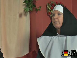 Vdes nonne bei mir zuhause, falas moshë e pjekur pd porno a6
