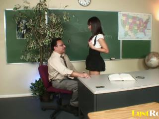 Professor gets seduced a pleasured podle nadia aria: porno e5