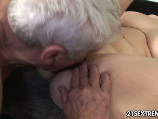 μελαχροινή, στοματικό σεξ, κολπική sex