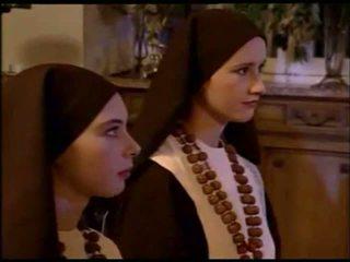2 sinning nuns obter sexually punida