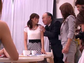 Akiho yoshizawa, mika kayama 과 yuma asami 꼬인 활동