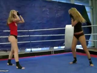 Cindy Hope vs Sophie Moone