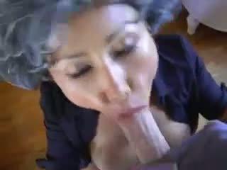 Dojrzała azjatyckie młody pervert