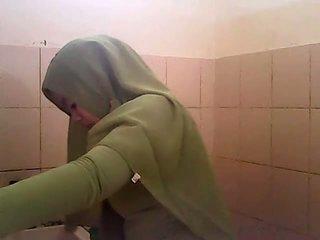 Şpion gagal jilbab hijau