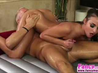 Sexy en mooi amirah adara turns marcuss pijn in plezier