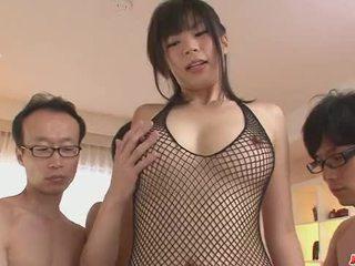 Trei guys obține o japonez fata lovitură muncă de la saki aoyama