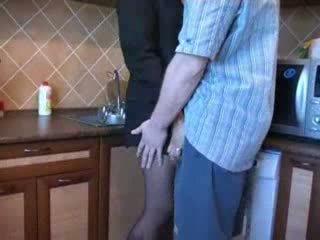 Horký maminka fucked v kuchyně po ji husbands funeral video