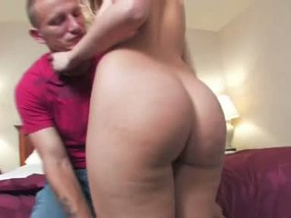 Knob Choking Floozy Alexis Texas Feeds Her Starved Mouth With An Angry Stiff Knob
