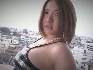 Alice ozawa gives a japonsko výstřik a fucks two guys