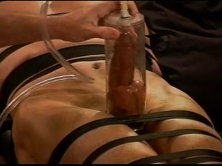 Extreme vacuum pumping CBT on muscle guy