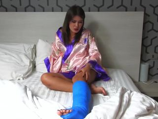 Fetisch-concept Com - 2 Scenes Junge Asiatin Mit.