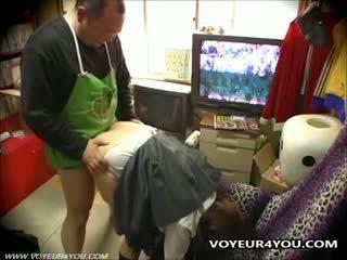 Convenient mağaza self atış seks