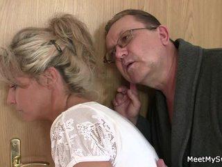 Er leaves und sensuous parents seduces seine würzig nymph