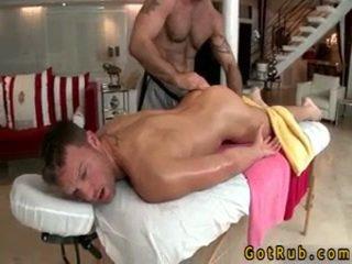Hunk gets astounding homo massaggio