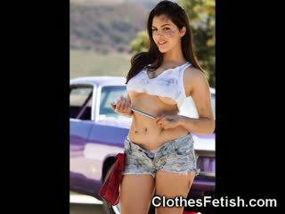 Hot Girls In Mini Short Jeans!
