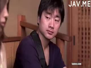اليابانية, اللسان, شاعر المليون