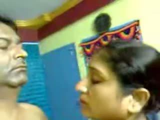 เซ็กซี่ โฮมเมด อินเดีย แก่แล้ว ขนดก คู่ เพศ ใช้ปากกับอวัยวะเพศ mms