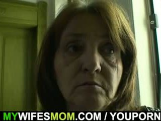 Cachonda guy bangs su chica s viejo mamá