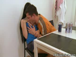 Ami has a man's dong iekšā viņai par the pirmais laiks, loving tas.