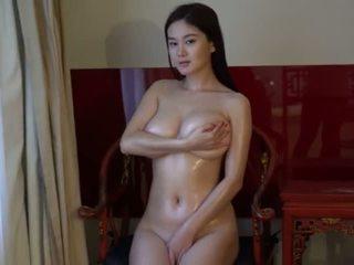 Китаянка модель yi-yang