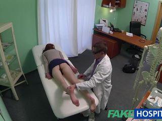Bello amatoriale paziente scopata con fraud dottore