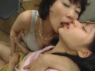 Japonesa madura lesbianas hits en adolescente vídeo