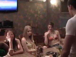 Two cocks для a п'яна коледж вечірка дівчина