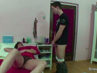 Mama prichytené nemecké chlapec robenie sa kedy wake hore a dostať súložiť
