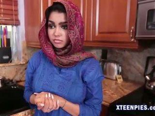 性感 arab utie ada creampied 由 大 公鸡 后 他妈的