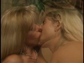 cumshots, lesbičky, trojka