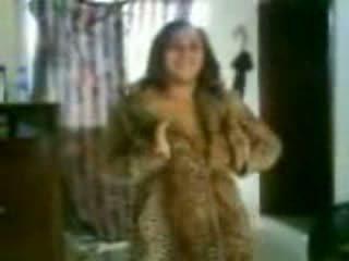 Arab malaking suso dalaga sa a mahalay dance video