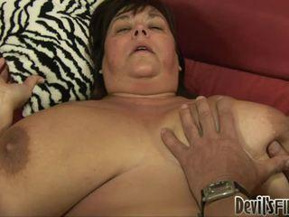 大きな美しい女性 receives ラッキー と enjoys a 良い ハード weenie で 彼女の corpulent プッシー