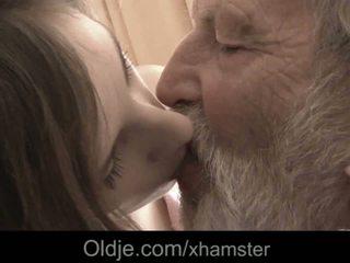 Großvater riesig alt schwanz mund samenerguss medicine für krank