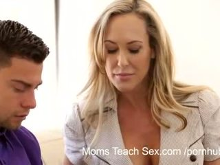 Moms teach bayan - mom licks pejuh from stepdaughters twat
