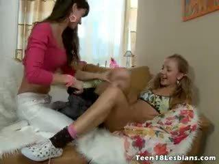esmer taze, bebek online, tüm lezbiyen daha fazla