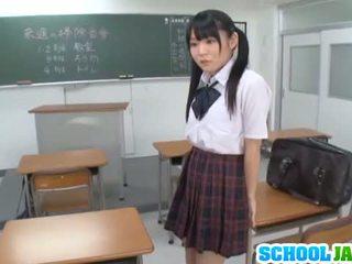 Rumi kamida hämmastav kiimas jaapani koolitüdruk