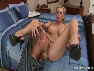 hardcore sex, syvä kurkku, isot munat
