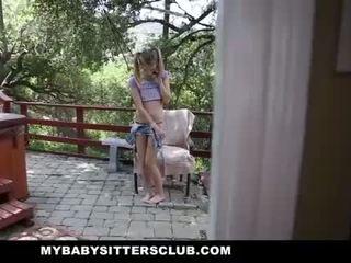 Mybabysittersclub - maličké dieťa sitter prichytené masturbovanie