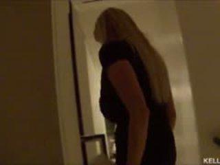 Kelly Madison Takes Her Big Tits To Vegas Yeah Baby