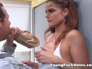 ruskeaverikkö, nuori, assfucking