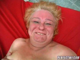 Grassoccio nonnina pronto per pene