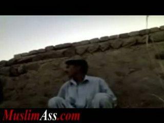 Pakistanilainen ulkona seksi